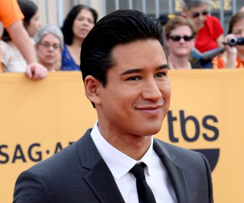 Mario Lopez to play Vince Fontaine in 'Grease: Live'