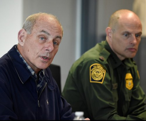 Illegal border crossings from Mexico down 40%