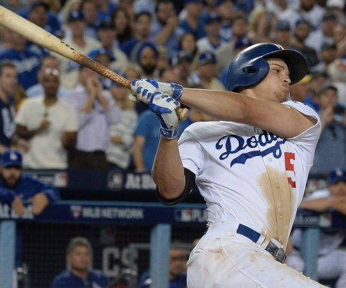 Corey Seager's walk-off double powers Los Angeles Dodgers past Cincinnati Reds