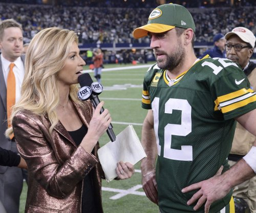 Aaron Rodgers denies notion of Dez Bryant joining Green Bay Packers