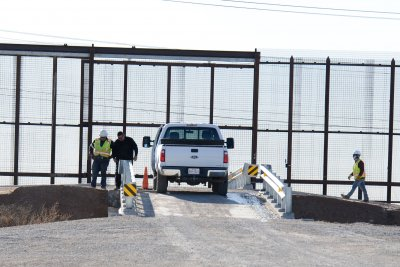 Border Patrol in El Paso reopens checkpoints