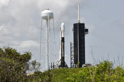 SpaceX scrubs Starlink launch with two BlackSky satellites