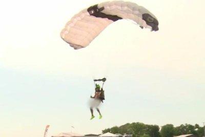 Nebraska man makes 60 naked skydiving jumps in 24 hours