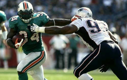 NFL: Miami 38, New England 13