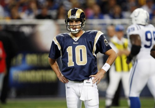 Rams' Bulger out with broken shinbone