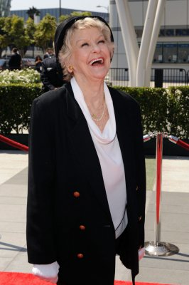 Broadway icon Elaine Stritch dead at 89