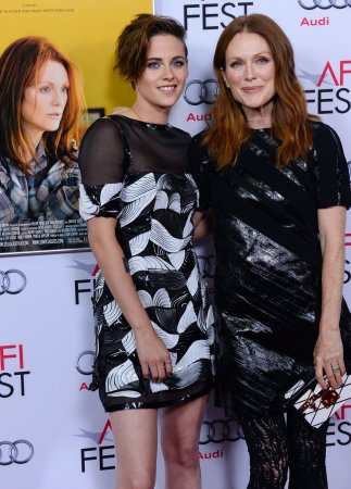 Julianne Moore, Kristen Stewart 'truly have a connection'