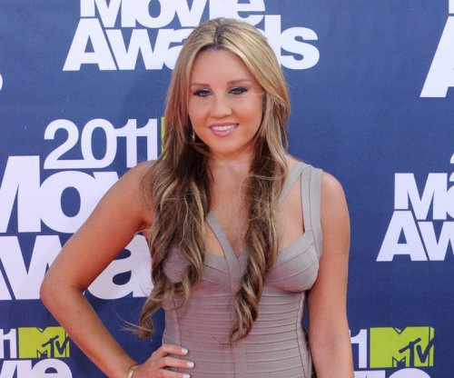 Amanda Bynes making strides in her recovery, is 'much happier'