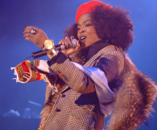 Lauryn Hill apologizes for showing up late to concert, will 'make it up' to fans