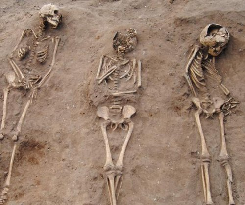 Archaeologists find 14th century Black Death 'plague pit' in England