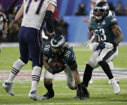 Philadelphia Eagles lose DE Derek Barnett for the season
