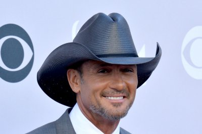 Tim McGraw to headline Super Bowl's tailgate party
