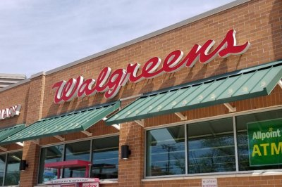Walgreens increases tobacco buying age to 21