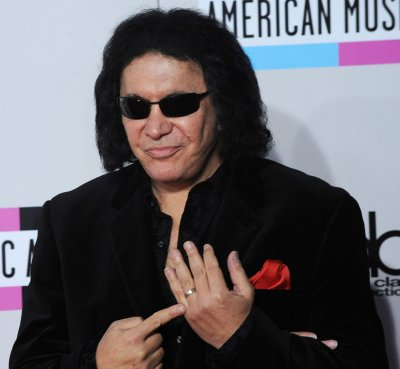 Gene Simmons goes into restaurant biz
