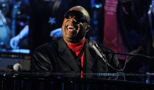 Stevie Wonder to perform tribute to Dick Clark at AMAs