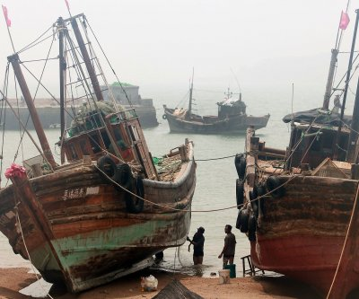 Illegal Chinese boats strain South Korea at disputed maritime border