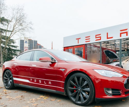 Tesla Motors offers to buy SolarCity in vertical integration plan