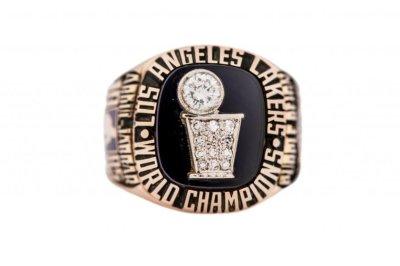Lakers icon Kareem Abdul-Jabbar sells memorabilia for nearly $3 million