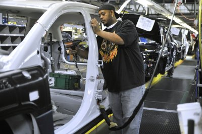 Ford, GM, Chrysler agree with UAW to 'rotate' plant shutdowns
