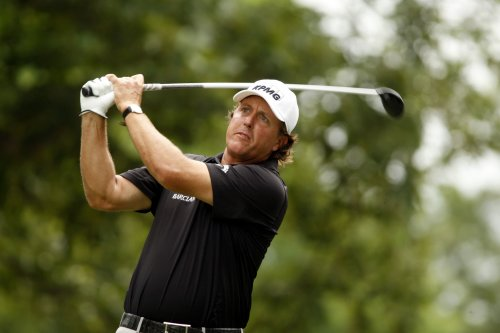 Mickelson returns to golf rankings Top 10