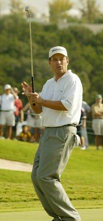 Roberts has 2-shot lead in senior golf
