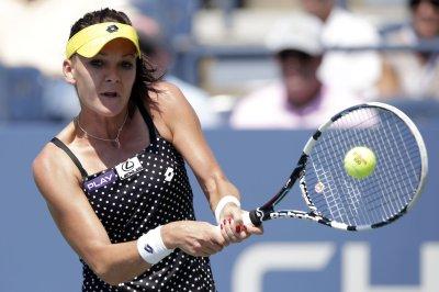 Radwanska rolls into quarters on home soil