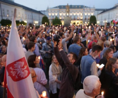 Protests in Poland over proposed changes in judicial power