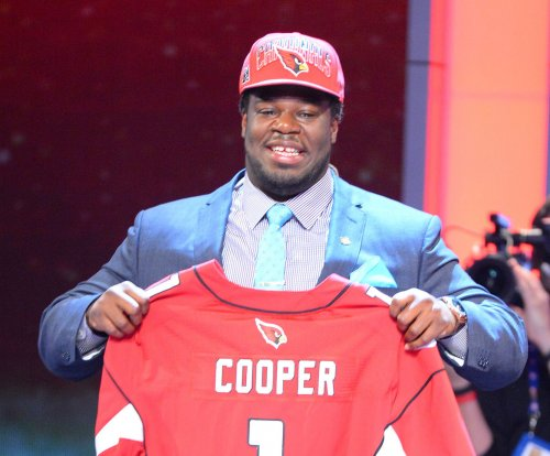 San Francisco 49ers sign G Jonathan Cooper to one-year deal
