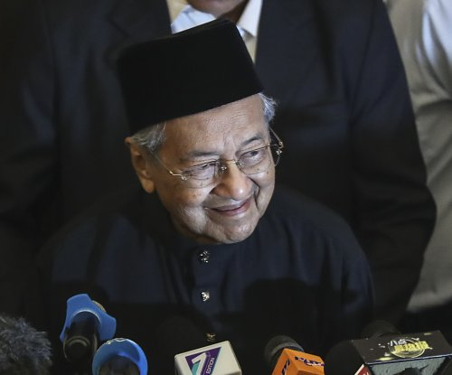 Mahathir Mohamada sworn in as new Malaysian PM