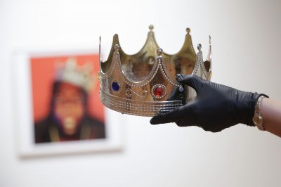 Notorious B.I.G.'s crown sells for almost $600K at Sotheby's auction