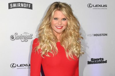 Christie Brinkley has hip replaced 26 years after helicopter crash