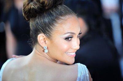 Jennifer Lopez confirms 'Idol' exit