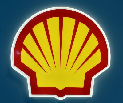 Back off, Alaskan energy group tells Shell activists