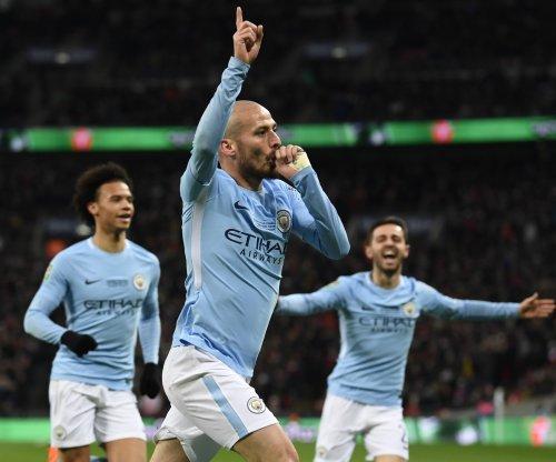 David Silva scores two, Manchester City beats Stoke City