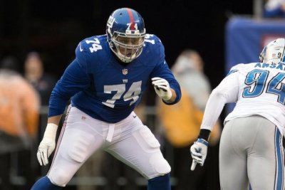 New York Giants OT Ereck Flowers shows up for workouts