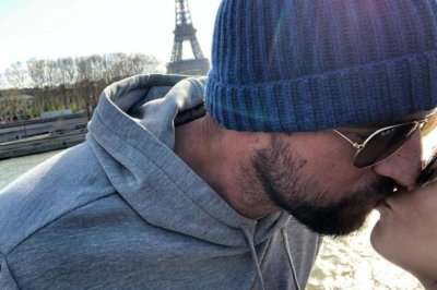 Aaron Rogers surprises Danica Patrick with Paris trip, birthday kiss at Eiffel Tower