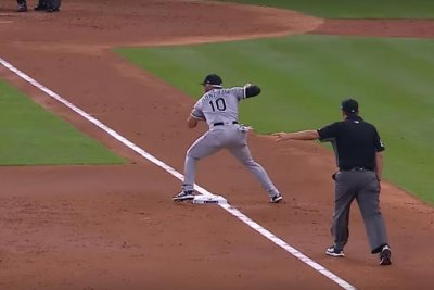Yoan Moncada, Chicago White Sox turn first triple play of season against Astros