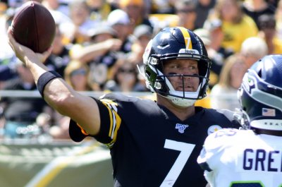 Steelers' Ben Roethlisberger, James Conner suffer injuries vs. Seahawks