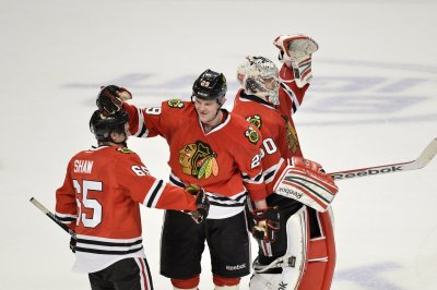 Chicago Blackhawks: Bryan Bickell signs one-day contract to retire with former team