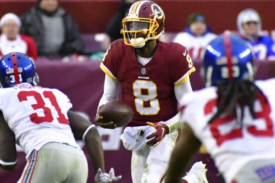 Redskins QB Johnson steps in against Jaguars
