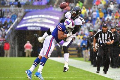 Buffalo Bills keep LB Lorenzo Alexander with one-year pact