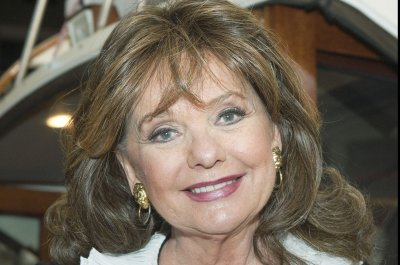 Stars react to Dawn Wells' death: 'Off the island, but forever in our hearts'
