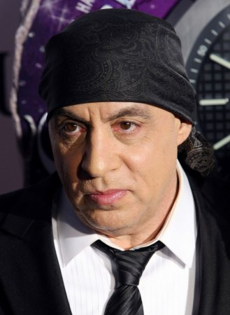 Eight new episodes of 'Lilyhammer' will be available on Netflix Nov. 21