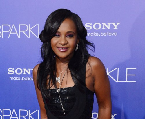 Bobbi Kristina Brown found unresponsive in bathtub, hospitalized