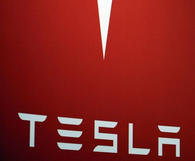 Tesla to start delivering Model X at end of month