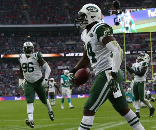 New York Jets CB Darrelle Revis undergoes wrist surgery