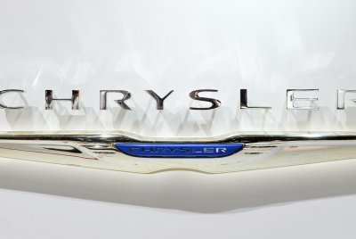 Fiat Chrysler issues two recalls covering 1.34M vehicles