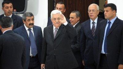 PA head Abbas cracks down on rival Dahlan
