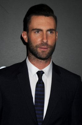 Adam Levine to wed Behati Prinsloo in Mexico this summer