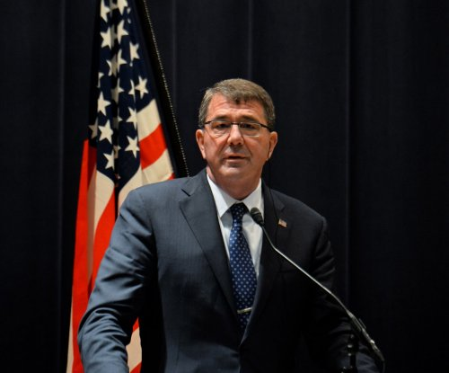 Carter: Iraqi troops were not equipped on time to fight IS